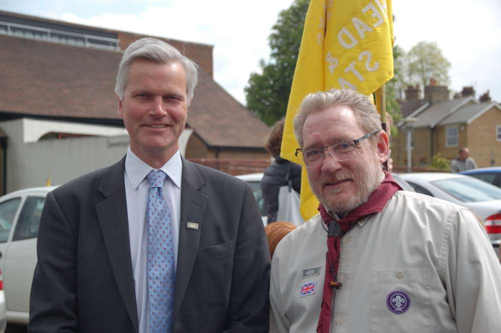 Chairman Andrew Holland and GSL Bertie Downard of the 3rd Sevenoaks.JPG